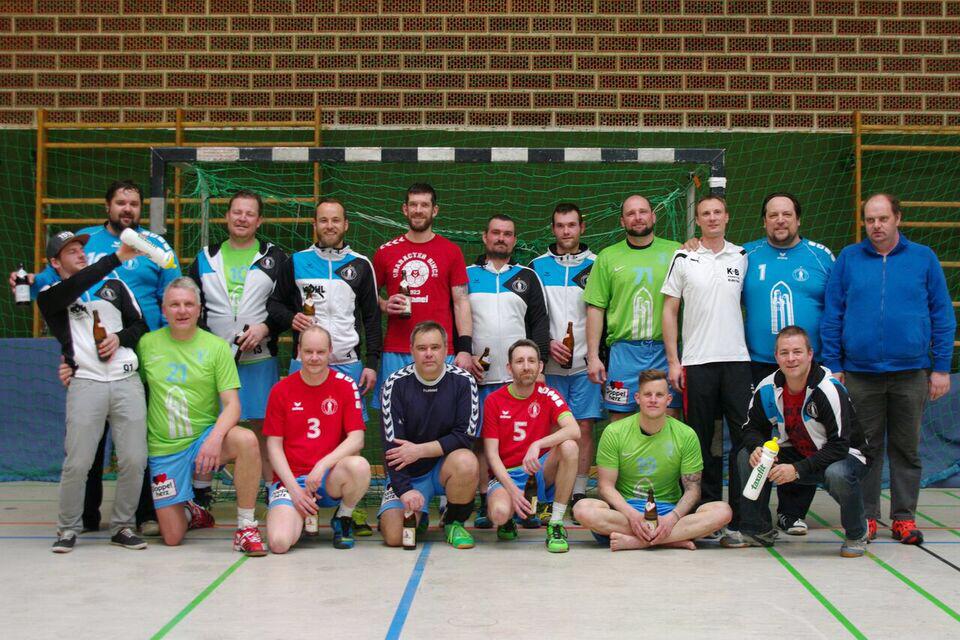 Mannschaftsfoto-Herren-III-Saison-2016-2017
